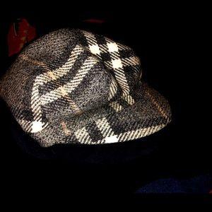 Burberry wool cap